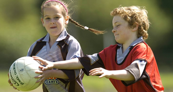 children playing gaelic football