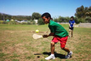 kids hurling costagaels